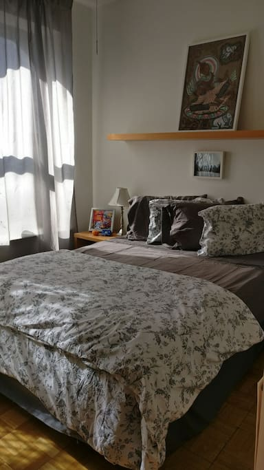 Bedroom, Faces Street, Double Bed