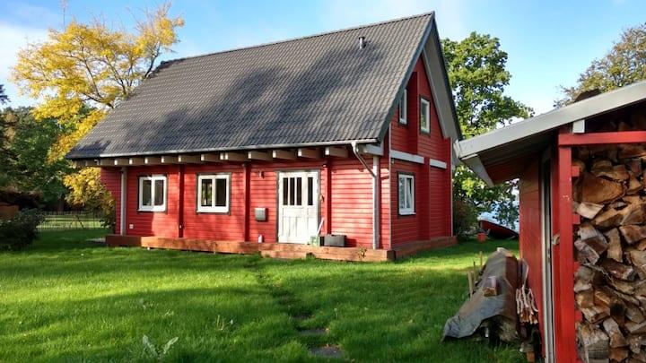 Familien-Ferienhaus mit eigenem Seezugang