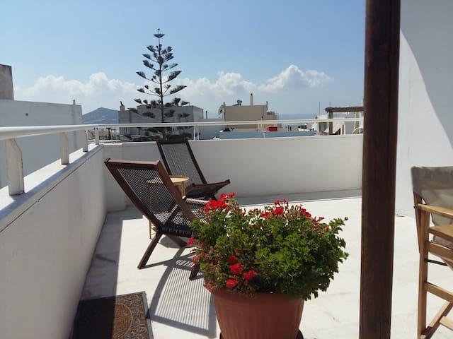 Sunny Terrace Apartment