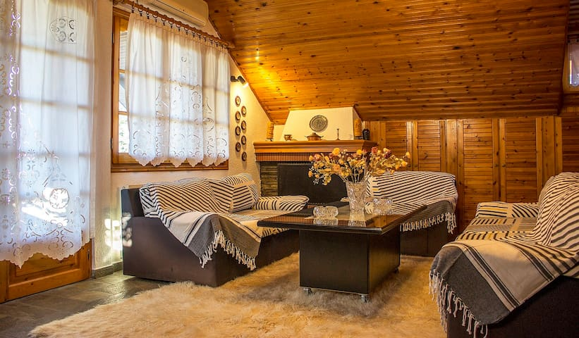 Wooden Loft - Unique Greek hospitality - 3 beds