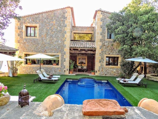 Villa de lujo en los acantilados
