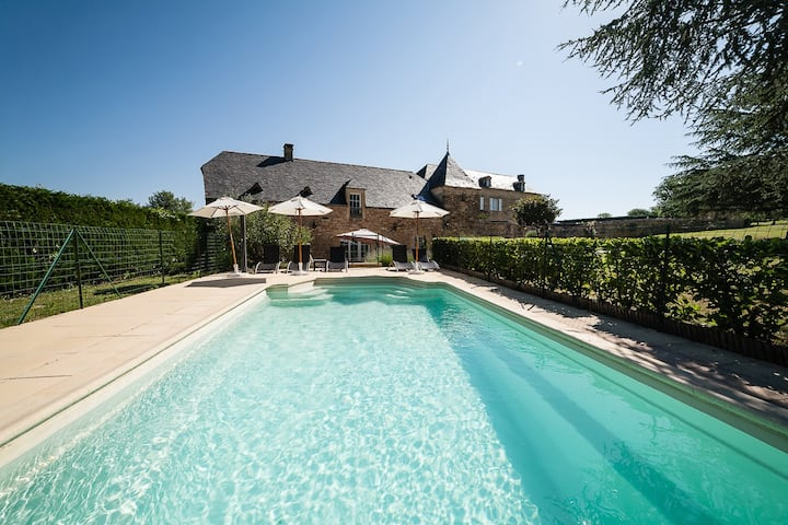 5* Villa 3 Bedrooms, Pool between Sarlat & Lascaux