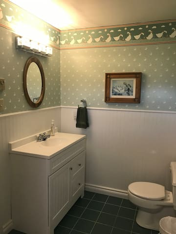 Jack and Jill Full Bathroom between Bed #2 and #3 with locking doors to each bedroom and no outside access