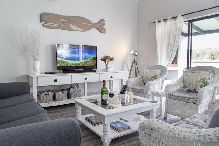 Spacious Holiday Maisonette in Vermont, Hermanus - Vermont