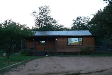 Cabin Getaway with beautiful views - Pine