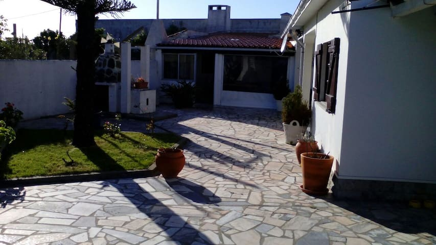 Maison de plein pied  proche mer - Silveira - Ház