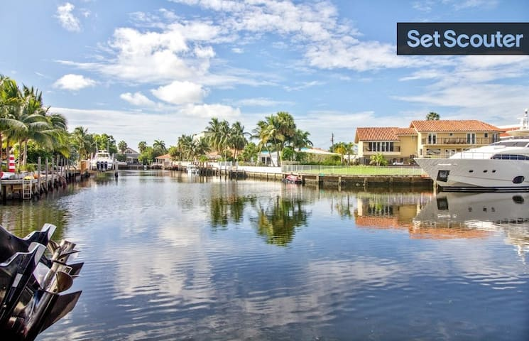 Waterfront Villa Walk to the Beach, no car needed - Miami - House