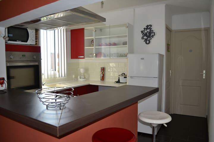 T2 indépendant meublé dans villa - Saint-François - Maison