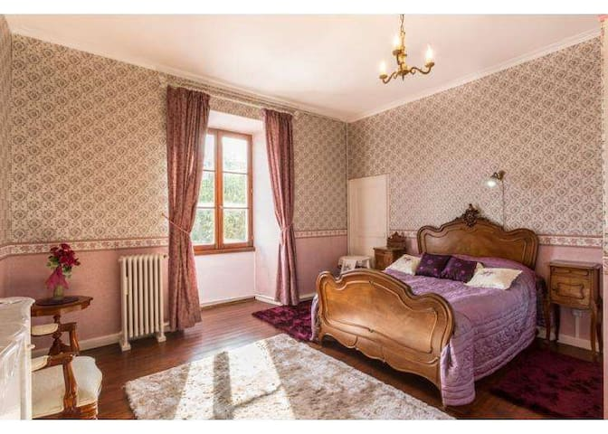 Chateau Ardilleux - Ardilleux - Bed & Breakfast