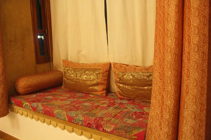 Rose Themed Room near Jaisalmer Fort!