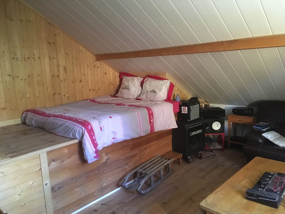 Grande chambre chez l 39 habitant maisons louer saint for Chambre 0 louer chez l habitant