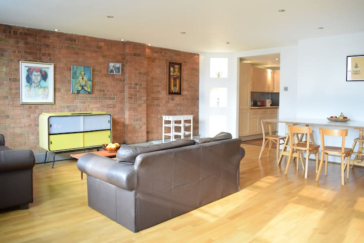 Spacious & Bright 1-bed Flat in Hoxton