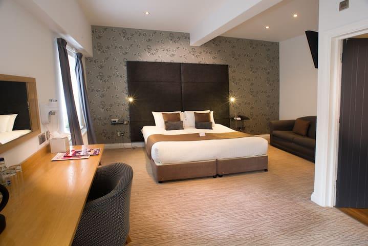 Executive stay In Tettenhall Wolverhampton