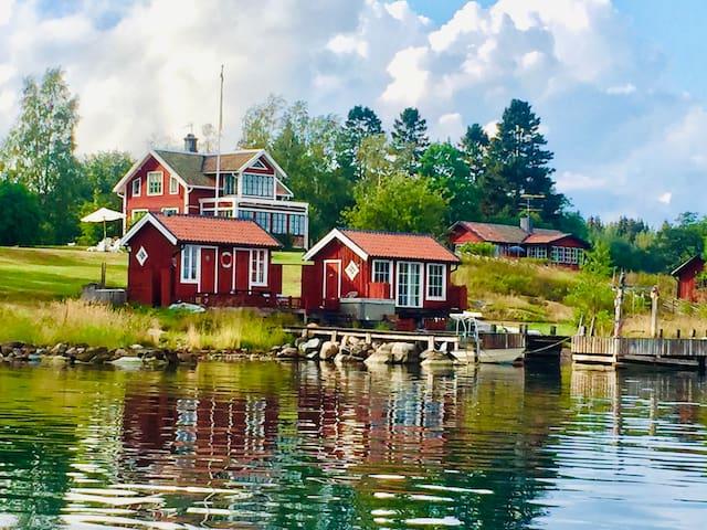 Stockholm Skärgård - 16p, pool, bastu, egen brygga