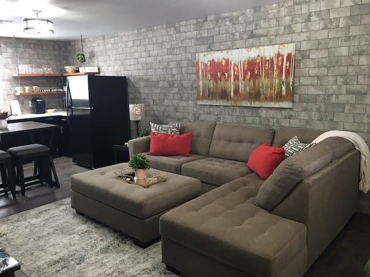 Executive Suite Two Bedrooms- Modern and Cozy
