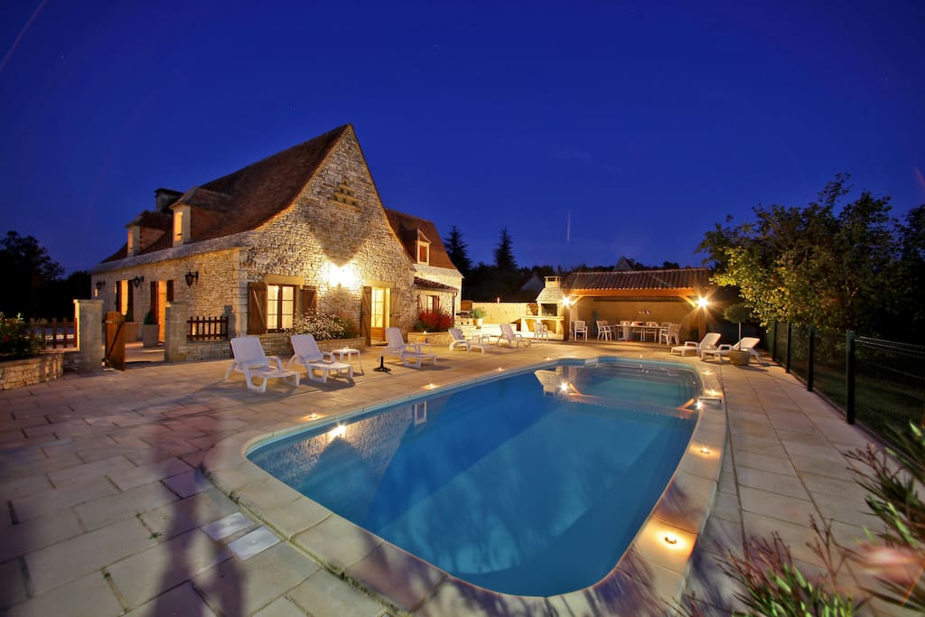 Chassagne villa piscine privee villas louer saint for Piscine saint amand