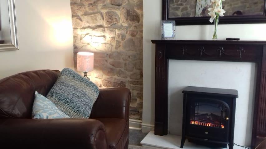 Elise Stone Cottage, Barnoldswick Nr Dales