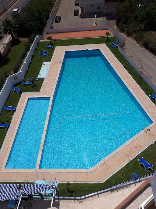 The swimmingpool is only open from June to September