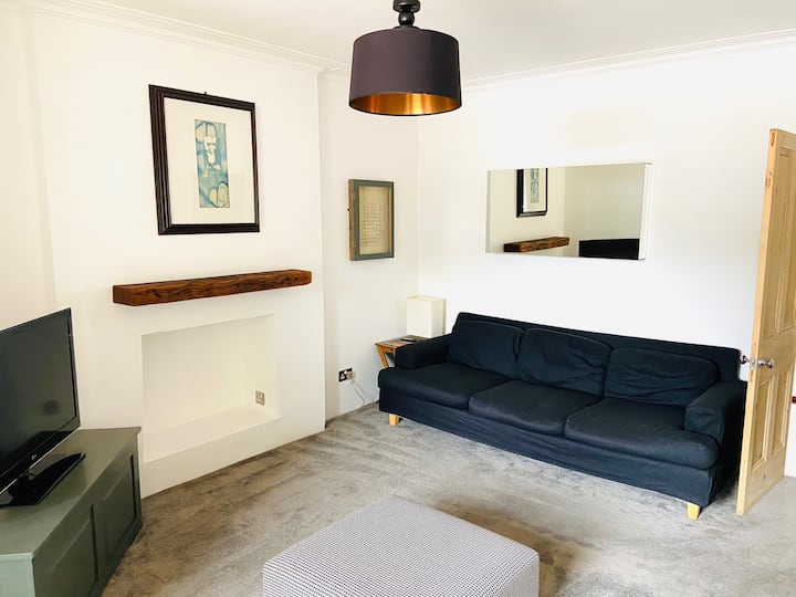 Clifton 2 bed apartment - free parking & Prosecco