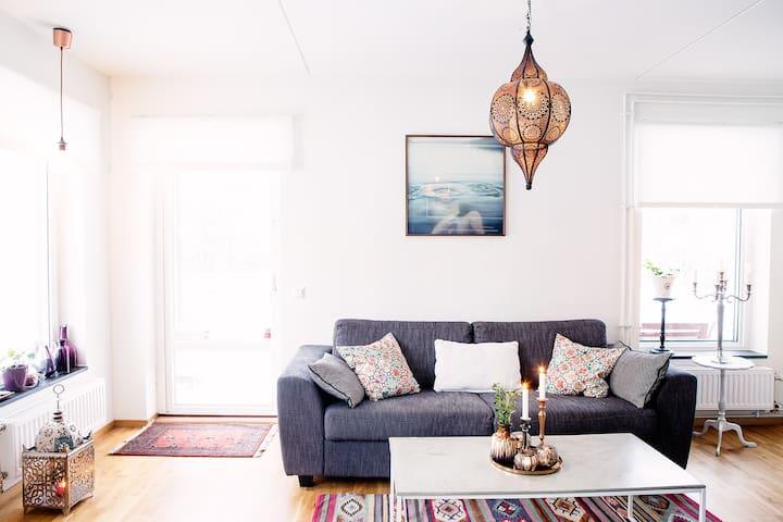 Lovely modern apartment in beautiful surrounding - Sollentuna - Leilighet