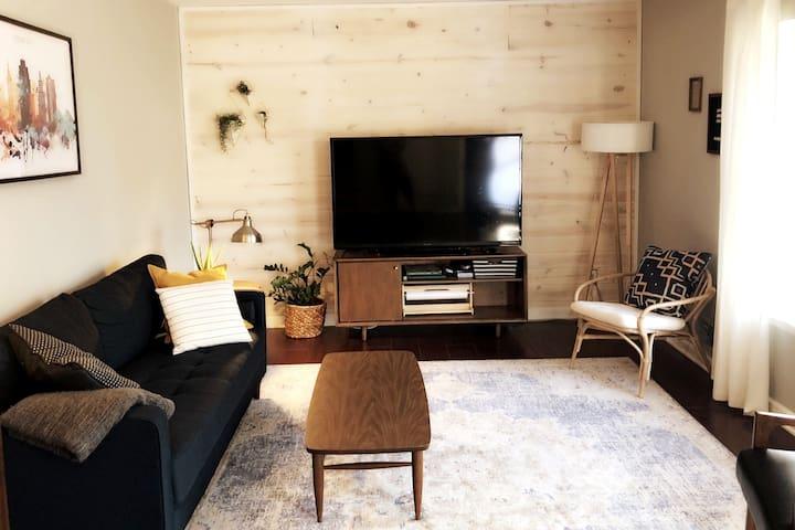 Mid CenturyModern home-4Bdrm