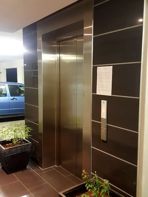 The building is equiped with a lift