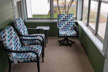 Front Porch seating for 6 people