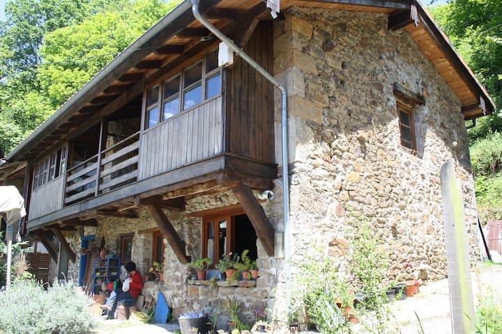 Habitación privada en casa rural tradicional