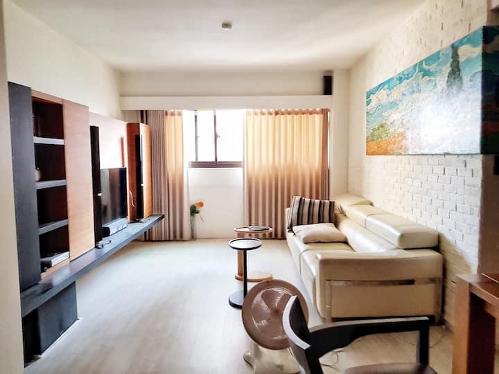 一中商圈電梯新裝潢Kozy apartment in city center 獨立衛浴