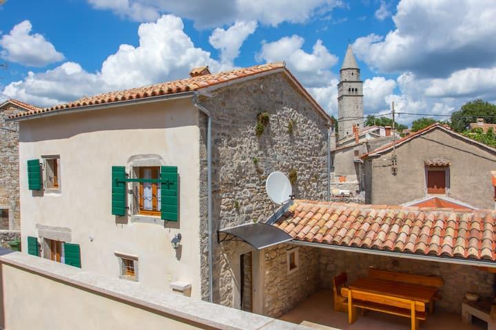 New renovated stone house ''Nina''