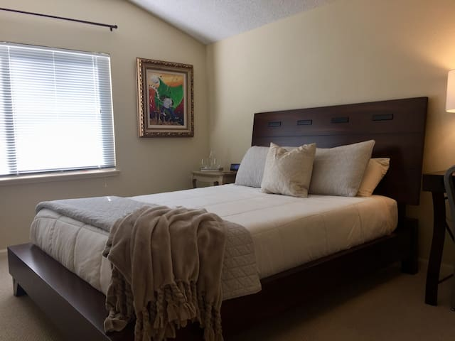 Benicia Area Guest Room | Easy Ferry Ride to SF