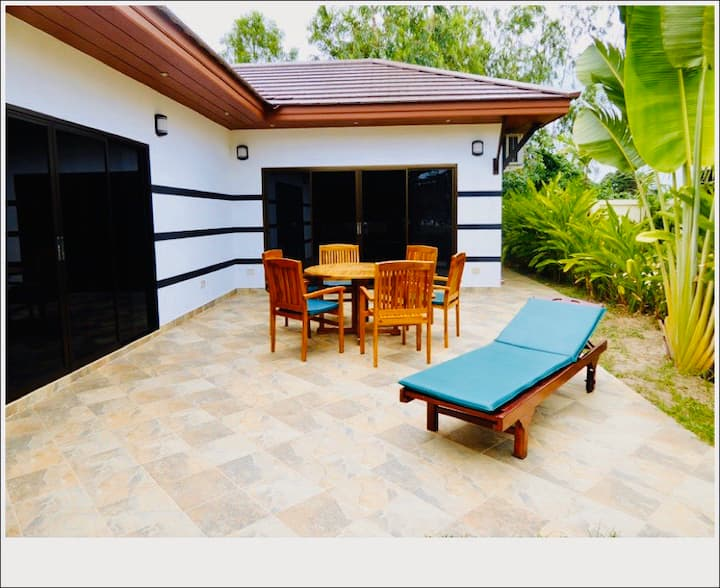 Tropicana House 2 BR With Garden by VIP
