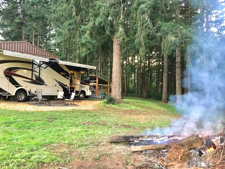 Paradise in the woods RV Spot