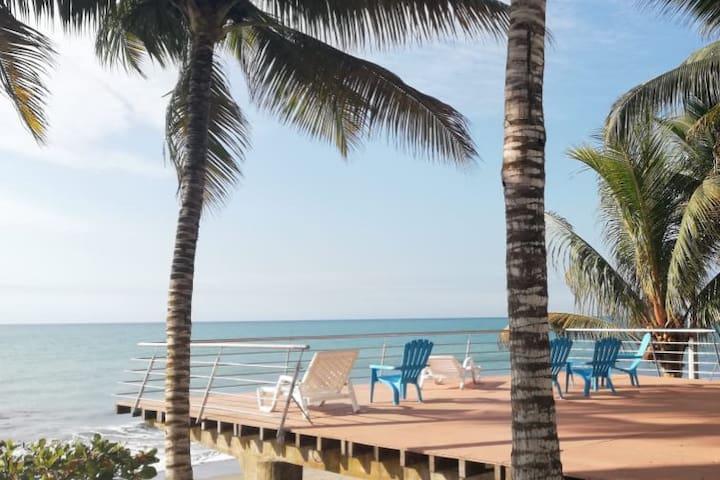 Suite con vista al mar en Playa Azul - Tonsupa