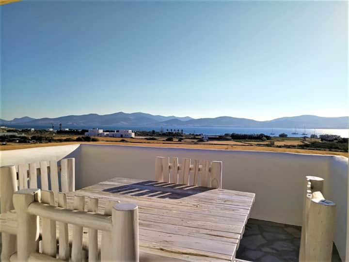 Beautiful renovated villa for 8p  with sunset view