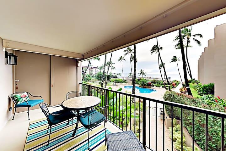 Ocean-View Lanai, Pool & Sundeck - Walk to Beach