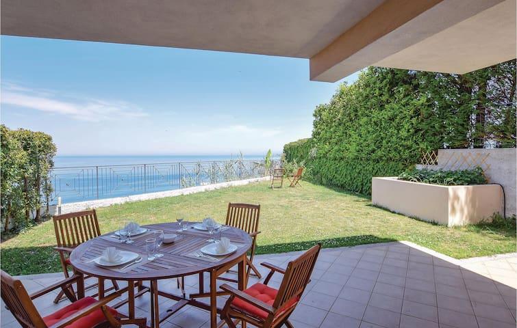 Semi-Detached with 3 bedrooms on 150m² in Pizzo Calabro VV