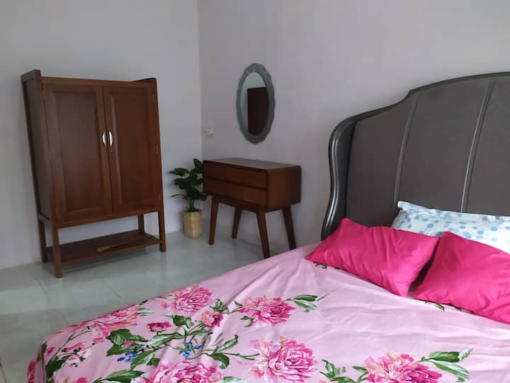 2 AC Bedroom Dilah Guesthouse Syariah-shared house