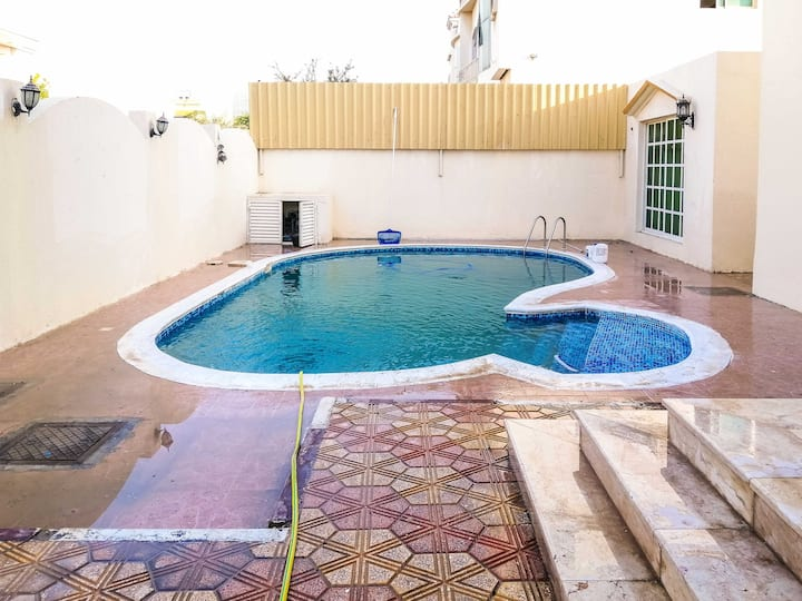 Charming Studio With Pool Close To Beach