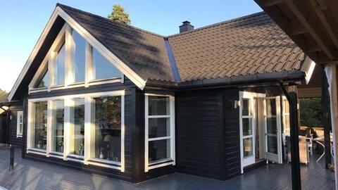 Stor hytte I Gjemnes