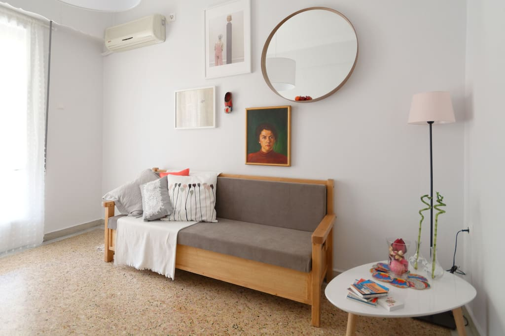 Living room with click-clack sofa bed