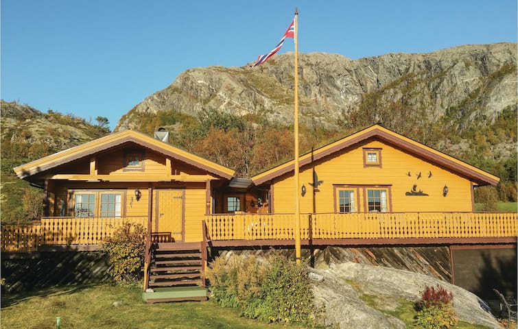 Holiday cottage with 2 bedrooms on 80 m² in Nord-Stadtland