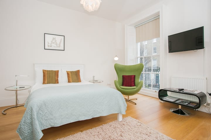 Fantastic & Modern 1 Bed Studio in Marylebone