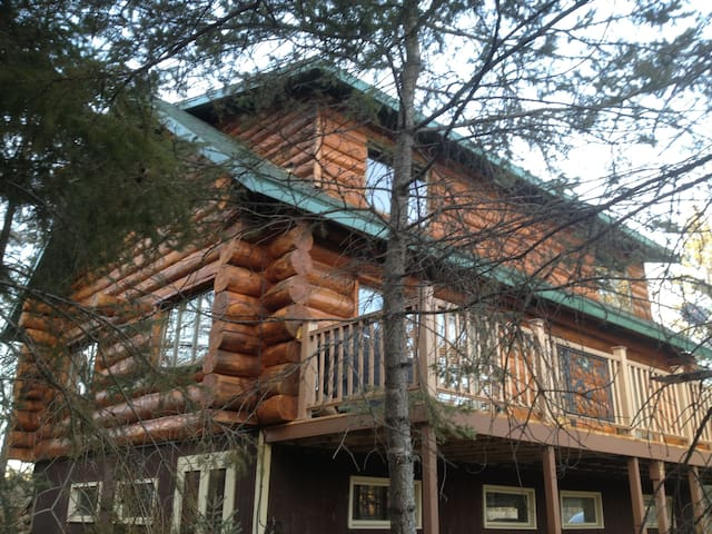 Beautiful Log Home on Little Sand - Sleeps 20 - Park Rapids - Hus