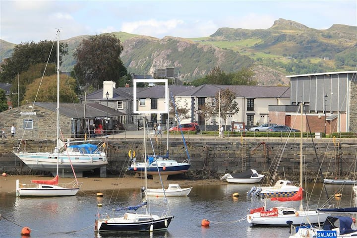 The Coach House in Porthmadog