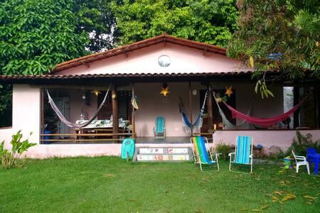 Casa Rosa em Moreré, 50m da praia