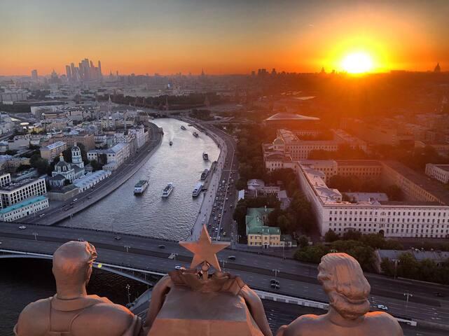 Kremlin view cozy apartment