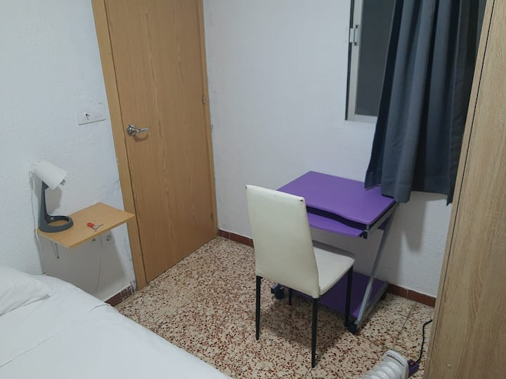 4Silencio confort y baño privado.