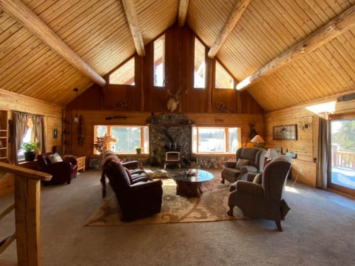 Alaska Views Family Retreat Challet
