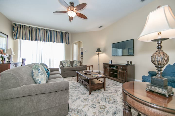 OS404Y-4 bed w/Pool/Spa, Waterpark Acess